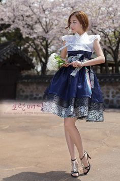 Korean Dress, Korean Outfits, Traditional Fashion, Traditional Dresses, Modern Hanbok, Oriental Dress, Kawaii Dress, Lolita Dress, Kawaii Fashion