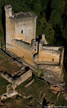 ✈️ Photo aérienne de Château de Commarque - Dordogne (24)