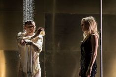 CCL - Cinema, Café e Livros: Review: Sienna Miller Coaxes New Life From an Old ...