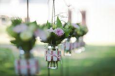 Mariage à Lyon,le domaine des batieres, pour Marie et Mick. Mariage au thème Champagne et biscuits rose. Photographies Contrast Studio.