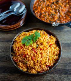Coconut rice- Västafrikanskt kokosris - ZEINAS KITCHEN Raw Food Recipes, Veggie Recipes, Vegetarian Recipes, Cooking Recipes, Savoury Recipes, 300 Calorie Lunches, Zeina, Good Food, Yummy Food