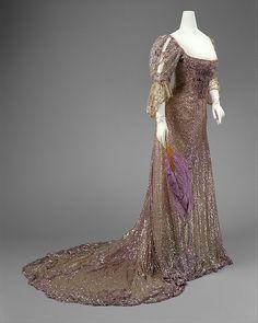 Evening dress Designer: Henriette Favre Date: 1902 Culture: French Medium: silk, sequins Accession Number: C.I.37.44.1