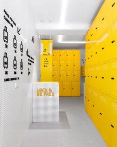 44 Ideas Medical Office Interior Design Spaces For 2019 Medical Office Interior, Gym Interior, Office Interior Design, Office Interiors, Gym Design, Retail Design, Garderobe Design, Kids Cafe, Start Ups