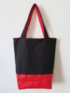Beutel mit Upcycling Boden rot/schwarz/rot -Upcycling-2 Henkel-Geschenk für Sie-Tragetasche-Tasche-Einkaufsbeutel-spitzwasserfest