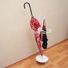 Dressy ferforje beyaz şemsiyelik ürünü, özellikleri ve en uygun fiyatların11.com'da! Dressy ferforje beyaz şemsiyelik, askılık
