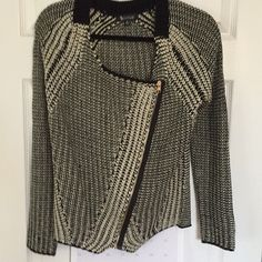Black and White plain woman's sweater Beautiful black and white plaid woman's medium zip sweater  purchased this summer in Portland Maine boutique size medium Sisters Sweaters