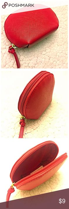 🍓Red Coin Purse🍓 🍑Saffiano style red coin purse! Can fit cards, dollars, and coins or you can use to stash some makeup products on the go! NWOT! 🍑 Bags Wallets