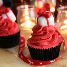Mulled Wine Cupcakes Recipe and How to Make Gift Cupcake Toppers Winter Cupcakes, Christmas Cupcakes Decoration, Baking Cupcakes, Yummy Cupcakes, Cupcake Recipes, Cupcake Decorations, Christmas Cakes, Cupcake Ideas, Christmas Baking