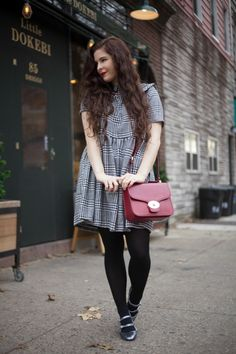 Really nice :) Love the dress, the glittery shoes and the burgundy bag. Everything is so pretty :D