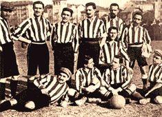 La squadra nel 1903, prima stagione con le maglie bianconere