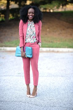 This is a good outfit for work. Nifesimi makes wearing color look so effortless and chic - I like this bubble gum pink suit mixed with a floral blouse (from Skinny Hipster) Floral Blouse Outfit, Bluse Outfit, Blazers, Pink Suit, Work Attire, Fashion Outfits, Womens Fashion, Spring Outfits, Work Outfits