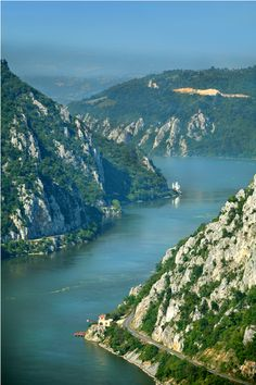THE IRON GATES: The Danube Gorge it is the longest gorge in Europe km).It forms part of the boundary between Romania and Serbia and was a strategic pass held by Drakula against the Turks. Beautiful Places To Visit, Oh The Places You'll Go, Wonderful Places, Places To Travel, Albania, Republic Of Macedonia, Visit Romania, Danube River, Seen