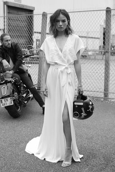 20 Wrap Wedding Gown Styles You Will Love