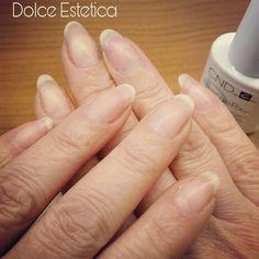 Le mie unghie al naturale, dopo 7 anni di Shellac!! Unica pausa è al massimo un giorno... tanto c'è rescuerxx o solaroil,dipende dal periodo che nutre, rinforza, rende elastica la mia unghia 😉 #DolceEstetica #nails #unghienaturali #rescuerxx  #solaroil #nutriente #curativo #top #cnd #ladybirdhouse