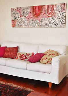 The living room is the place where friends & family gather to spend quality time in a home, so it's important for it to be well-designed. So check this awesome living room inspiration. Room Inspiration, Interior Inspiration, Aboriginal Painting, Encaustic Painting, Cool Rugs, Home And Living, Love Seat, Living Room Decor, Interior Design