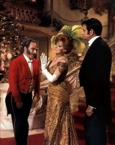 Irene Sharaff - Costumes de Films - Hello Dolly - 1969 - Barbra Streisand - Robe Dorée et Coiffe de Plumes Jaunes My Fair Lady, Movie Props, Movie Costumes, She Movie, Film Movie, Classic Hollywood, Old Hollywood, Irene, Musical Film