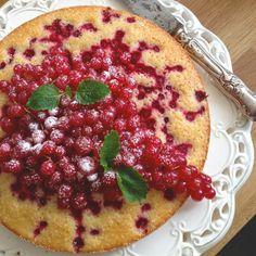Supersnabb vinbärskaka Food N, Food And Drink, Kitchen Recipes, Cooking Recipes, Sweet Pastries, No Bake Desserts, Cake Recipes, Bakery, Sweets