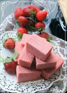 Ogura Cake Strawberry Yoghurt Cottony Cake with Fresh Strawberry