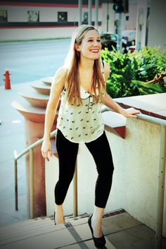 Actress #KelseyCooke looks GREAT in our leggings! You can tell she's a dancer!! Check out the unelievable skills on her resume--is there ANYTHING she DOESN'T do?! http://kelseycookeonline.com/resume