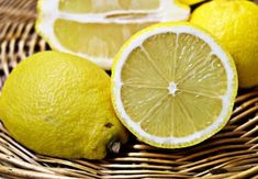 Get Rid Of Toxin Treat Diabetes Mellitus with Lemon – 3 Recipes that Can Reduce Blood Sugar Levels Thursday, 1 September 2016 - Learn how to reduce blood sugar levels by using lemons. Discover 3 recipes that will help you keep diabetes under control. Lemon Water Benefits, Sore Throat Remedies, Get Rid Of Ants, Reduce Blood Sugar, Unwanted Hair, Water Recipes, Food Hacks, Home Remedies, Health Benefits
