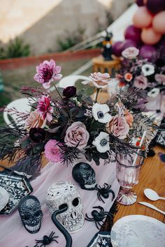 Kara's Party Ideas Girly Gothic Halloween Party | Kara's Party Ideas