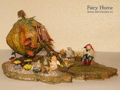 Casa de calabaza con escalera by FairyHomeShop on Etsy, $105.00