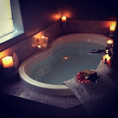 I don't care how small my future house is, this is a MUST in the master bath. So relaxing. Big Bathtub, Jacuzzi Bathtub, Whirlpool Bathtub, Bathtub Ideas, Bathroom Ideas, Big Tub, Bathroom Tubs, Cozy Bathroom, Freestanding Bathtub