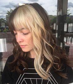 50 extraordinary ways to rock long hair with a pony - Hair Color Long Hair With Bangs, Long Curly Hair, Curly Hair Styles, Wispy Bangs, Blonde Streaks, Hair Color Streaks, Blonde Bangs, Two Color Hair, Blonde Hair