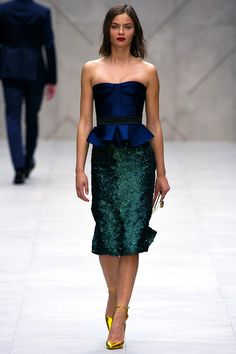 great inspiration for the skirt I want to make with the fabric I got in Brazil (in pic is Burberry Prorsum SS13)
