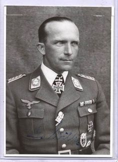 Generalleutnant Gustav Wilke --- Kommandeur Kampfgruppe z.b.V. 11.- http://www.das-ritterkreuz.de/index_search_db.php4?modul=search_result_det&wert1=7053&searchword=wilke