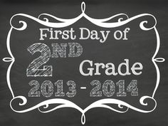 Here are  FREE printables to print out and take pictures of your students or children on their first day of school. Signs are for pre-k through 12th. Enjoy!