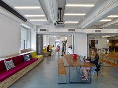 Sabor callejero neoyorquino y grafismo de color en las oficinas de LinkedIn.