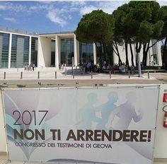 Testimoni di Geova di Ascoli a Val Vibrata. Tre giorni di studi al Palacongressi di Rimini