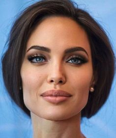 Very Beautiful Woman, Beautiful Women Pictures, Beautiful People, Angelina Jolie Makeup, Angelina Jolie Photos, Anjolina Jolie, Female Movie Characters, Wind In My Hair, Photoshop