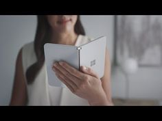 A new video with a render shows the Surface Duo's Android OS in action on dual screens. The footage comes from the new Surface Duo SDK, which looks great even at this early stage. Microsoft Surface, New Surface, Surface Laptop, Windows 10, Iphone 8, Iphone Cases, Adaptador Usb, Smartphone News, Smartphone Reviews