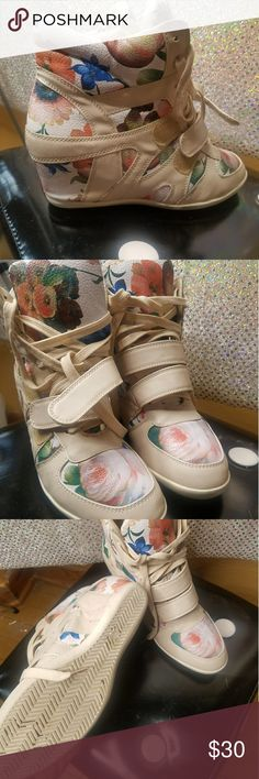 Flower Print Sneaker Wedges Size 10 flower sneaker wedges. Lace & two straps in front. Super Comfy. Shoes Sneakers