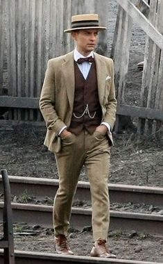Kentucky derby outfit for guys 02 trend mens fashion 2017 Mode Masculine, Great Gatsby Party Outfit, Great Gatsby Fashion Mens, Gatsby Outfits For Men, Gatsby Clothes, Mens 20s Fashion, 1920s Fashion Male, 1920s Mens Fashion Gatsby, Victorian Fashion