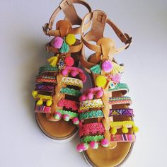 bohemian style greek sandals in pink yellow and by Ilgattohandmade Diy Fashion, Fashion Looks, Bohemian Sandals, Pom Pom Sandals, Hippie Bags, Modern Hippie, Greek Sandals, Cute Shoes, Pink Yellow