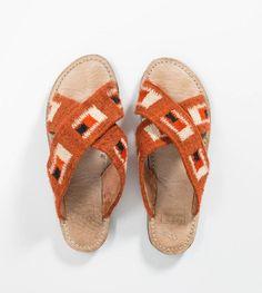 Ilano Slide Sandals