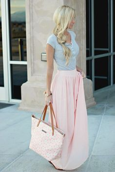 Spring look Blush Maxi Skirt. Pins And Needles Yoke Chiffon Maxi Skirt in Blush (also available in Black) Cute Fashion, Look Fashion, Fashion Ideas, Trendy Fashion, Womens Fashion, Latest Fashion, Skirt Fashion, Fashion Clothes, Feminine Fashion