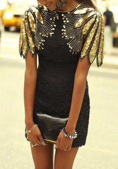 Изысканные платья. Шикарное цветовое сочетание: черный+золото