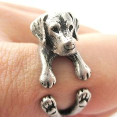 Wow! This Labrador Hug Ring has 6 sizes to choose from! I'll take one for each finger, please. #cutenesspet