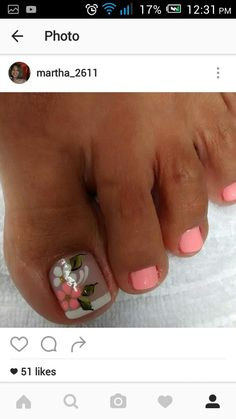 Uñas Cute Pedicure Designs, Diy Nail Designs, Pretty Toe Nails, Cute Toe Nails, Pedicure Nail Art, Toe Nail Art, Summer Toe Designs, Hawaii Nails, Cute Pedicures