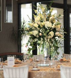 Receptions and Events OBERER'S FLOWERS - Serving Dayton, Columbus, Cincinnati, Indianapolis and Louisville