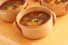 מרק עוף תימני מעולה Moscow Mule Mugs, Cake Cookies, Thai Red Curry, Soup, Cooking Recipes, Pudding, Beef, Tableware, Ethnic Recipes