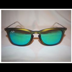Ray Ban Mirror Sunglasses Authentic super fabulous shades. Brand New Ray-Ban Accessories Sunglasses