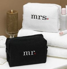 Mr and Mrs Travel Bag. Cuteness for the honeymoon.