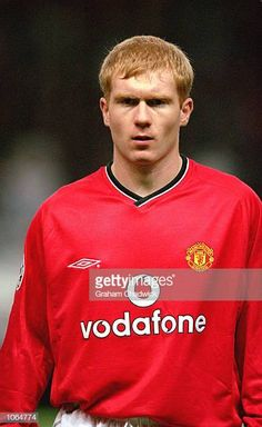 Portrait of Paul Scholes of Manchester United before the UEFA Champions League match against Anderlecht at Old Trafford, in Manchester, England. Manchester United won the match \ Mandatory. David Beckham Manchester United, Manchester United Legends, Manchester England, Manchester United Football, Man Utd Squad, Man Utd Fc, Old Trafford, Uefa Champions League, Man United