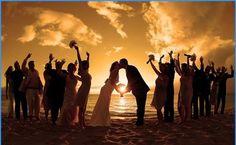 beach weddings are so pretty!