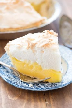 Aunt Tootsie's Lemon Meringue Pie – this recipe is a family favorite! It'… Aunt Tootsie's Lemon Meringue Pie – this recipe is a family favorite! It's an easy pie recipe with homemade lemon filling and meringue. Everyone loves it! Easy Pie Recipes, Pie Crust Recipes, Lemon Recipes, Dessert Recipes, Cooking Recipes, Pie Crusts, Lemon Desserts, Lemon Mirangue Pie Recipe, Delicious Recipes